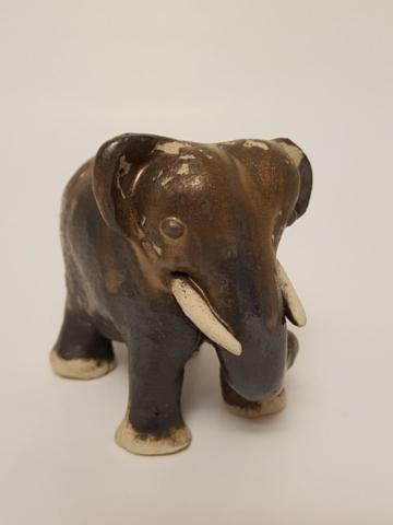 K593-2019 Elefant Mangan Kobber Oxyd
